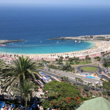 How to get from Gran Canaria Airport to Puerto Rico